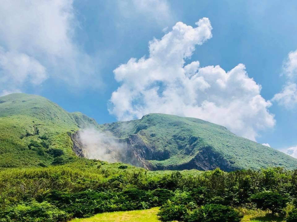 40888474_2245423935478401_6113805711571943424_n.jpg - 【台北.陽明山】旅行貓日記。陽明山小油坑免費寵物外拍景點。大推雲霧繚繞的山中美景
