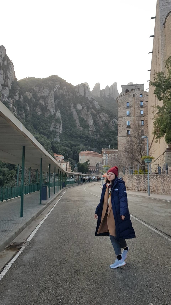 133504.jpg - 【西班牙】2020巴塞隆納近郊。開車一個小時蒙特塞拉特山修道院散散步