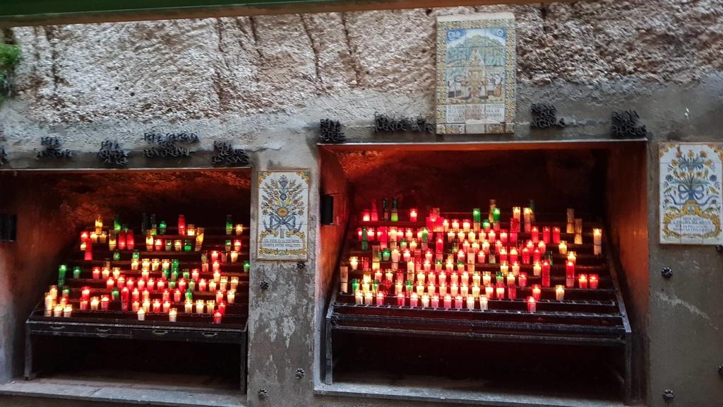 133492.jpg - 【西班牙】2020巴塞隆納近郊。開車一個小時蒙特塞拉特山修道院散散步