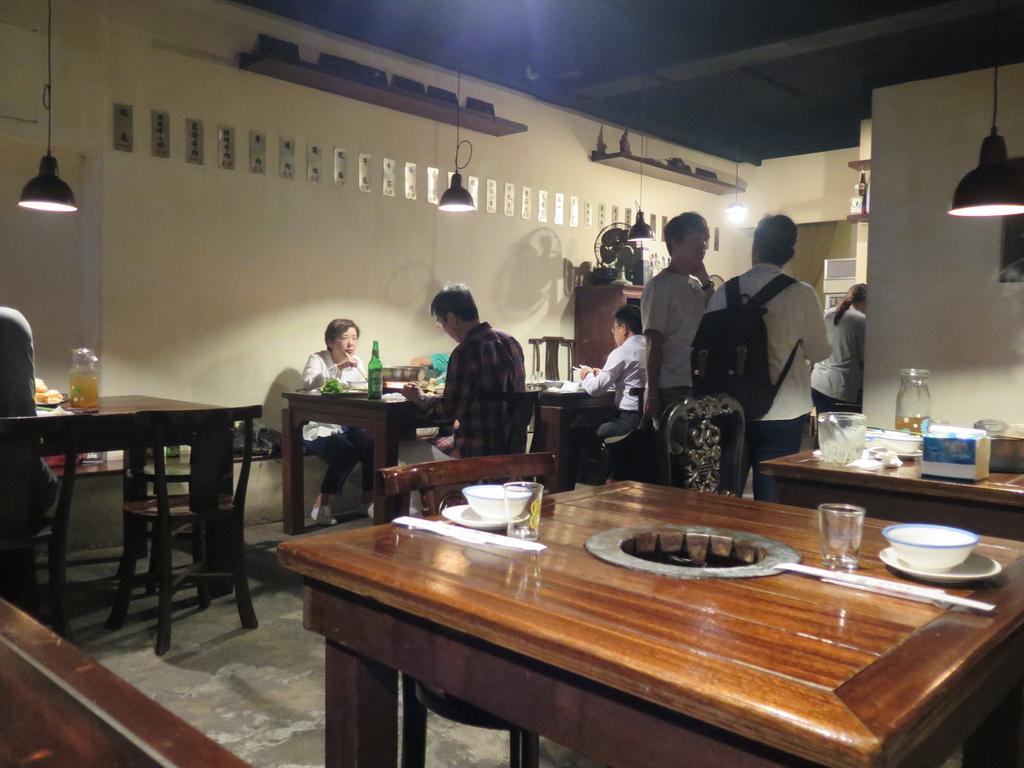 IMG_1677.JPG - 【台北】炭火麻辣火鍋推薦。川鍋魯旦麻辣火鍋。音樂人推薦好店