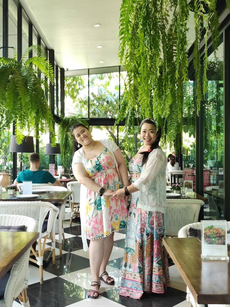 【曼谷】2019東羅站BTS網美餐廳推薦。Taling Pling充滿綠意玻璃屋泰式餐廳:118849.jpg