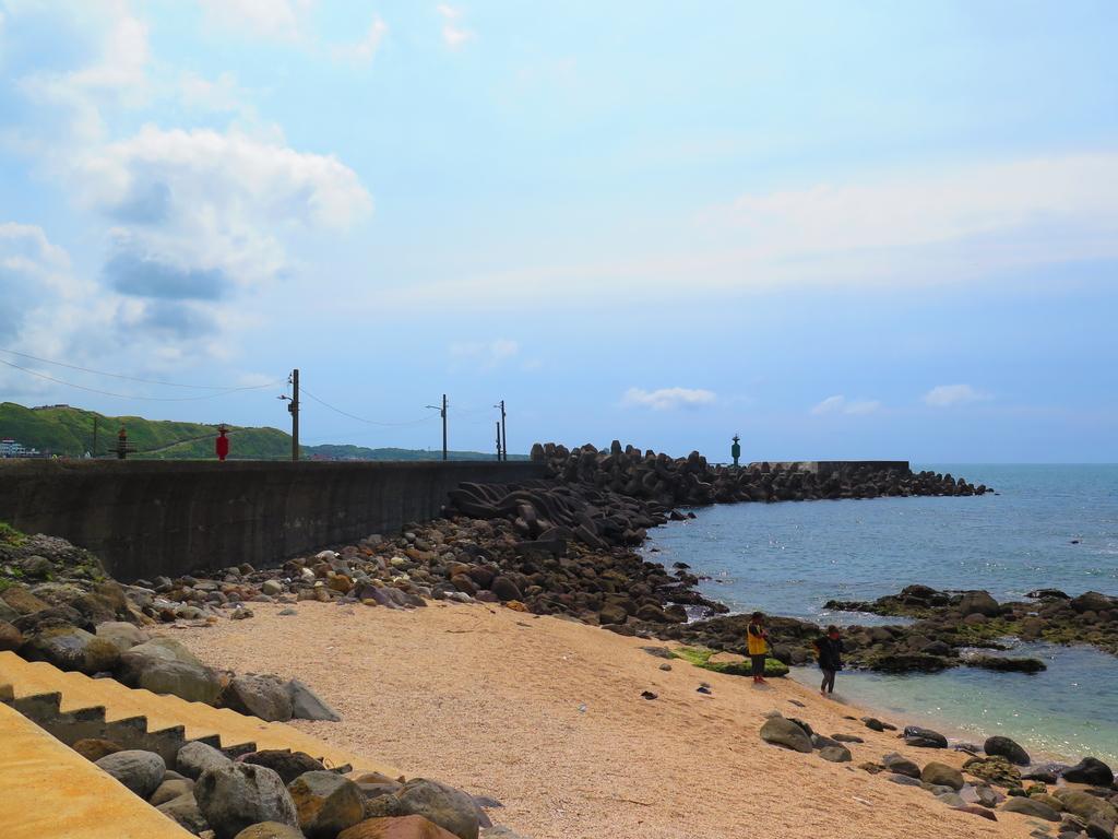 【台北】北海岸石門洞景點。美麗的貝殼砂海灘。熱門觀看夕陽&潮間帶景點:IMG_9583.JPG