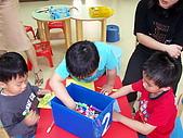 2010-5-2兒童製作母親卡:102_0482.jpg