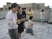 2009-6-6清晨登陸禱告會:5-6時--擘餅升旗 (22)--擘餅.jpg