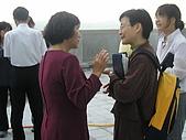 2009-6-6清晨登陸禱告會:5-6時--擘餅升旗 (24)--擘餅.jpg