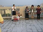 2009-6-6清晨登陸禱告會:5-6時--擘餅升旗 (29)--擘餅.jpg