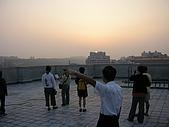 2009-6-6清晨登陸禱告會:5-6時--擘餅升旗 (8)--朝陽升起.jpg