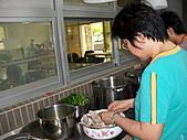 2010-8-15主日廚房(愛宴):990815主日 035.jpg