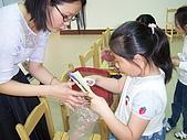 2010-5-2兒童製作母親卡:102_0490.jpg