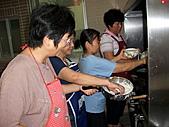 2010-8-15主日廚房(愛宴):990815主日 037.jpg