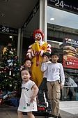 20091208-1213 travel in Thailand:在地的麥當勞叔叔