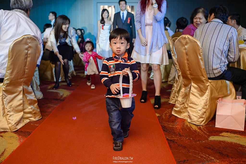 [婚禮紀錄] 20141017 - 景揮 & 淑萍 晶宴會館新莊館 [新竹婚攝]:20141018-1166.jpg
