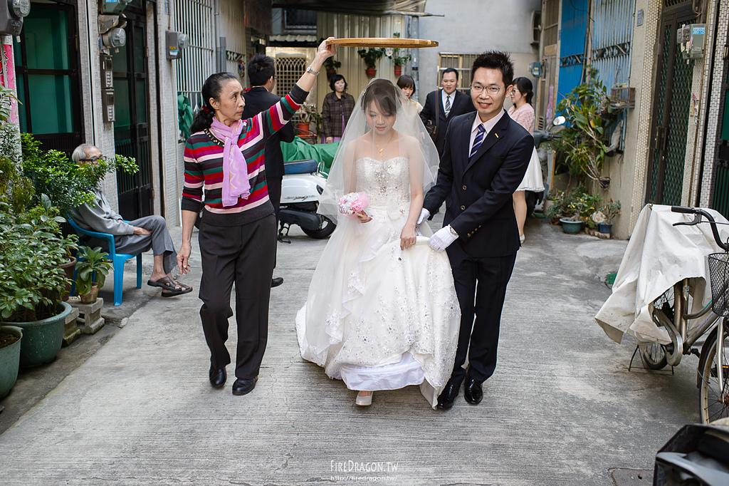 [婚禮紀錄] 20150110 - 良明 & 怡菁 高雄台南但仔麵 [新竹婚攝]:20150110-0326.jpg