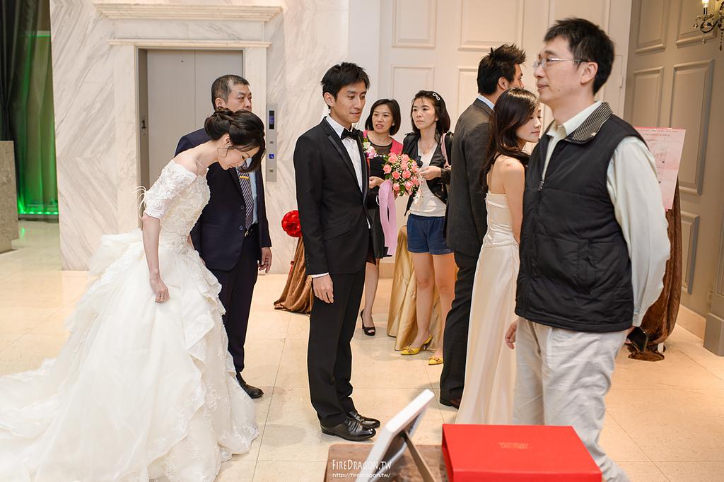 [婚禮紀錄] 20141017 - 景揮 & 淑萍 晶宴會館新莊館 [新竹婚攝]:20141018-0951.jpg