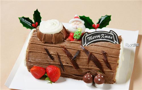聖誕來了,漂亮的聖誕蛋糕...12-19-2014:12-19-18.jpg