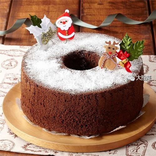 聖誕來了,漂亮的聖誕蛋糕...12-19-2014:12-19-23.jpg