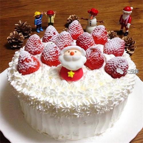 聖誕來了,漂亮的聖誕蛋糕...12-19-2014:12-19-22.jpg