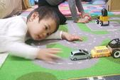 2011 1:IKEA買的玩具車及地毯 (9).JPG