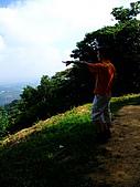 2009-0712-再訪小粗坑古道&石牛山驚險行:19-遙指六福村.jpg