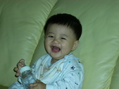 200412寶寶會爬了:1102434301.jpg