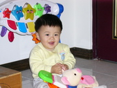 200412寶寶會爬了:1102434311.jpg