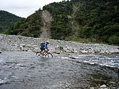 070317都飛魯溫泉:金崙溪石-是特別滑溜