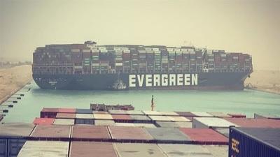 「長榮貨輪終於動了」卡死160艘貨船,這下要賠大了!