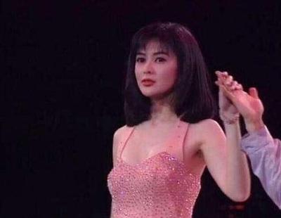 「關之琳26年舊照」年輕時美到讓人驚呆,容顏是整容臉的標杆!