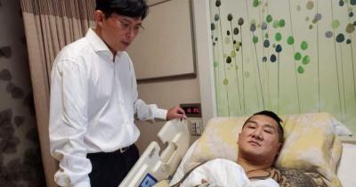 「槍殺館長」律師陣容曝光,黃國昌免費幫打官司!網:太誇張