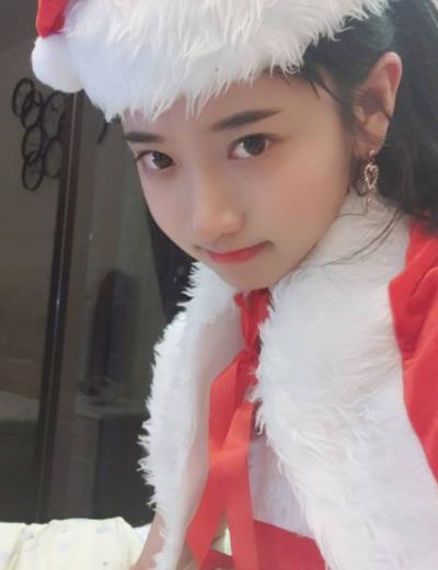 「Yoomjji 企鵝妹」正妹美女圖庫10P