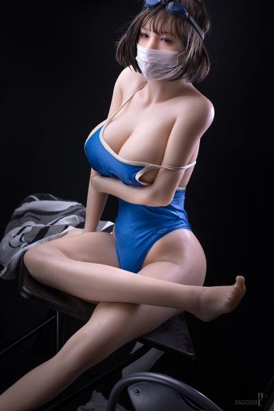 「情趣娃娃寫真集」堪稱比日本女優還正,還可以隨意擺布!