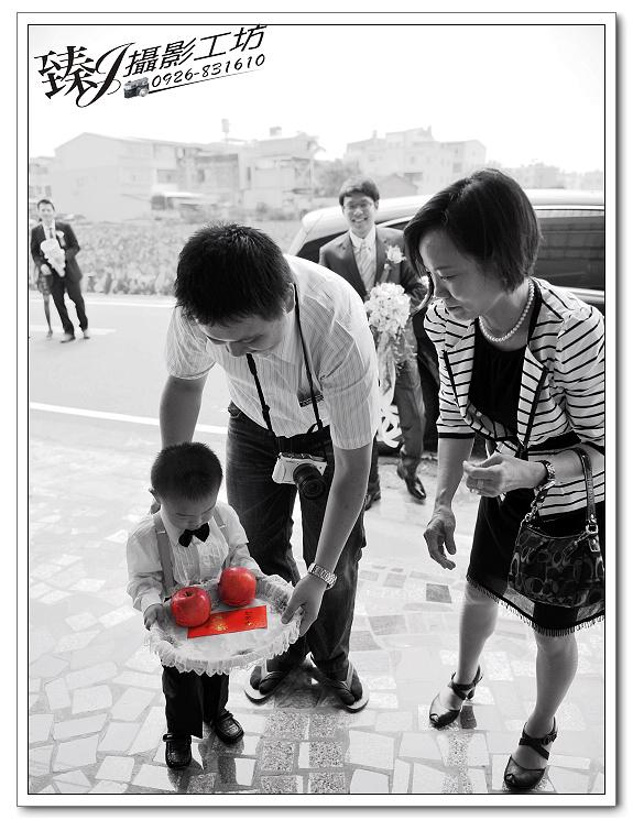 婚禮記錄攝影-蓉&惠-台北京華國際宴會廳--(迎娶篇一):婚禮記錄-蓉&惠-台北京華國際宴會廳--(迎娶篇一) 15.jpg