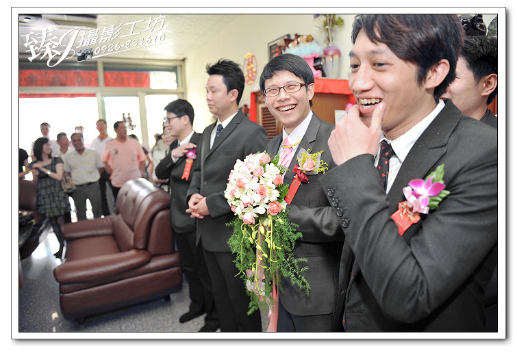 婚禮記錄攝影-蓉&惠-台北京華國際宴會廳--(迎娶篇一):婚禮記錄-蓉&惠-台北京華國際宴會廳--(迎娶篇一) 22.jpg