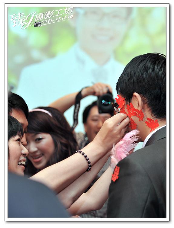婚禮記錄攝影-蓉&惠-台北京華國際宴會廳--(婚宴篇二):婚禮記錄-蓉&惠-台北京華國際宴會廳--(婚宴篇二) 22.jpg