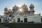 印度-第1-4天 2012-11-08:I049 路邊寺廟.jpg