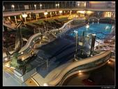 (藍寶石公主號 ):郵輪星光泳池