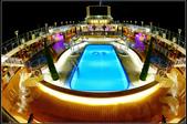 (盛世公主號):16樓中庭星光泳池