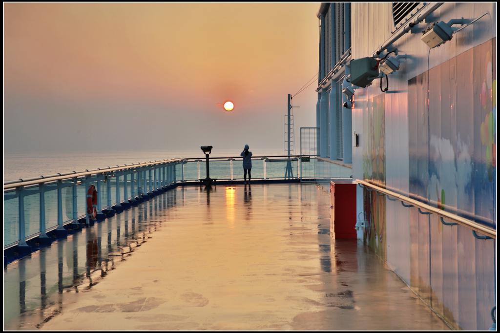 (盛世公主號):16樓甲板日出日落