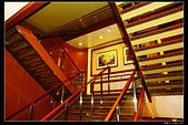 (藍寶石公主號 ):郵輪樓梯