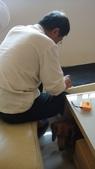 2012.12.27~31老爺到中國上海:2012.12.27收納沙發裝滾輪 (1).JPG