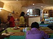 2010.09.23~2010.10.03土耳其:20100926洞穴飯店早餐 (1).JPG