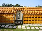 五福地寶生命紀念園區-中部寶塔墓園:納骨牆