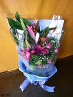 粉百合紫天王玫瑰唐棉星星裝飾品花束設計 - 花束