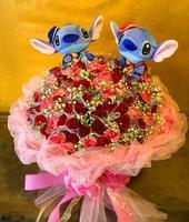 101朵玫瑰海灘帽史蒂奇花束設計 - 情人節花束
