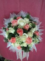 粉玫瑰白玫瑰蠟梅新娘捧花 - 新娘捧花