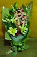 黃蝴蝶蘭黃百合紅玫瑰花束設計 - 花束