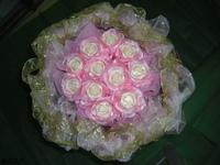 卡蜜拉玫瑰精油手工皂花束 - 手工玫瑰精油皂