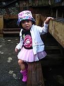 20060901小寶寶遊油車寮:座椅還濕濕的說