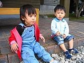 20060728北海道:128我和哥哥也要聊聊.jpg