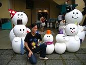 20060728北海道:012冰窟門口,與雪人合照.jpg